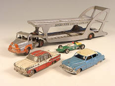 DINKY TOYS DIVERS (4)